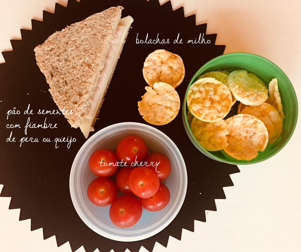 lanches-sandes-de-fiambre-de-peru-e-queijo-tomate-cherry-bolachas-de-milho-1024x859